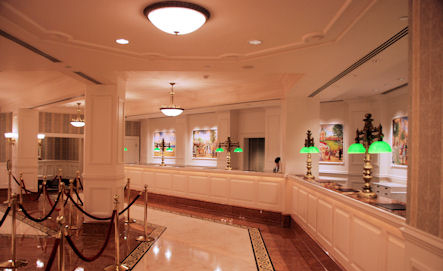 6 Disneyland Hotel